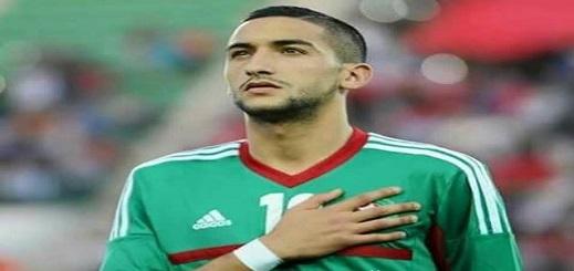 """المغاربة يصفون الريفي """"زياش"""" بنجم فوق العادة مع الأياكس ولاعب تافه ومغرور مع المنتخب"""