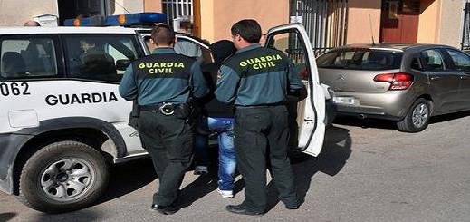 اعتقال  قائد للحرس المدني بالجنوب الإسباني بعد إكتشاف تورطه مع تجار الحشيش