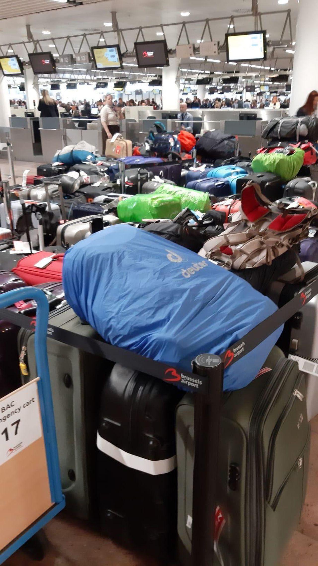 بينها رحلات قادمة الى المغرب.. تأخر 50 رحلة جوية بسبب تكدس المئات من الحقائب بمطار بروكسل زافنتيم