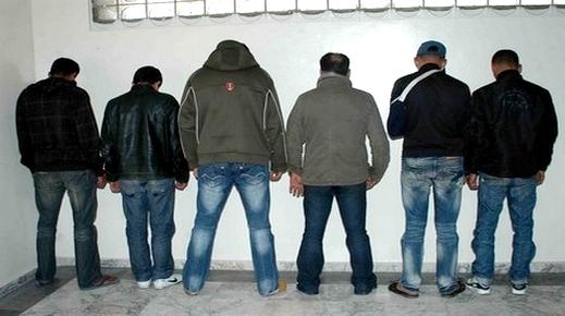 مداهمات أمنية وحملات تمشيطية لشرطة بني انصار تنتهي بتوقيف 4 تونسيين ووسيطين في الهجرة السرية