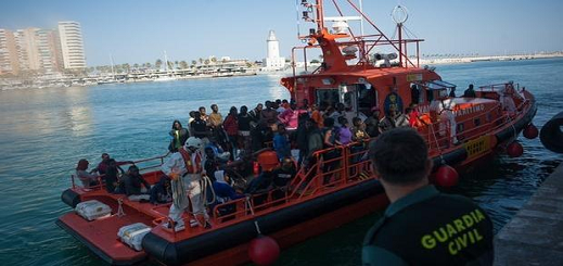 الحكومة الإسبانية تصادق على منح المغرب 30 مليون يورو لدعم جهود محاربة الهجرة السرية