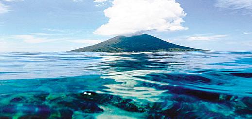 علماء يحذرون من انفجار بركان في البحر قد يغرق إسبانيا ويصل المغرب