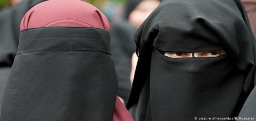 بعد نقاش دام 14 عاما.. حظر النقاب يدخل حيز التنفيذ أخيرا بهولندا