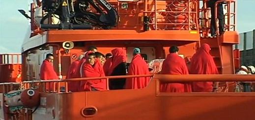 الحرس المدني الإسباني ينقذ 75 مهاجرا  أبحوا من سواحل الشمال ليلة العيد