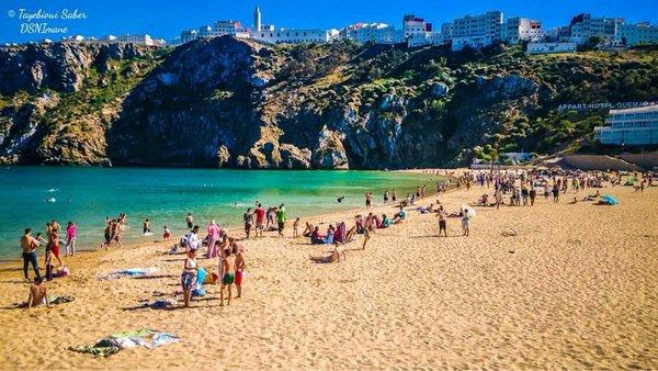 شواطئ الحسيمة.. وجهات سياحية متميزة تستهوي العديد من المصطافين المغاربة والأجانب