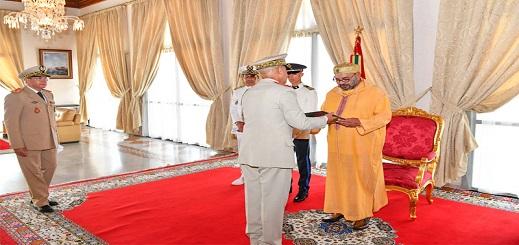 الملك محمد السادس يستقبل المفتش العام للقوات المسلحة الملكية بالحسيمة