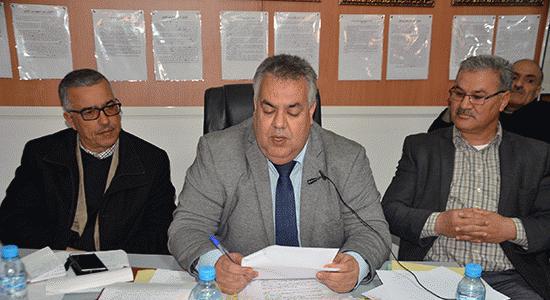 بيجيديو بني انصار يدعون رئيس المجلس إلى مناقشة مشكل الأزبال وتغيب الأعضاء
