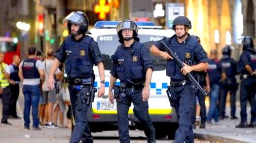 إسبانيا .. مصرع شابة وإصابة عنصر أمن في اعتداء بواسطة السلاح الأبيض ببرشلونة