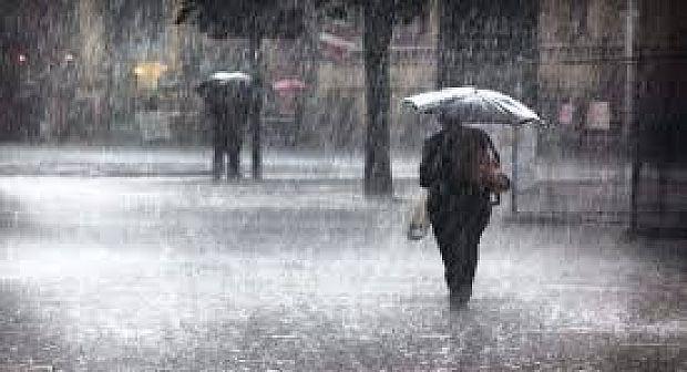 نشرة إنذارية.. استمرار الأمطار العاصفية بأقاليم الريف وعدد من المناطق بالمملكة إلى غاية يوم غد الإثنين