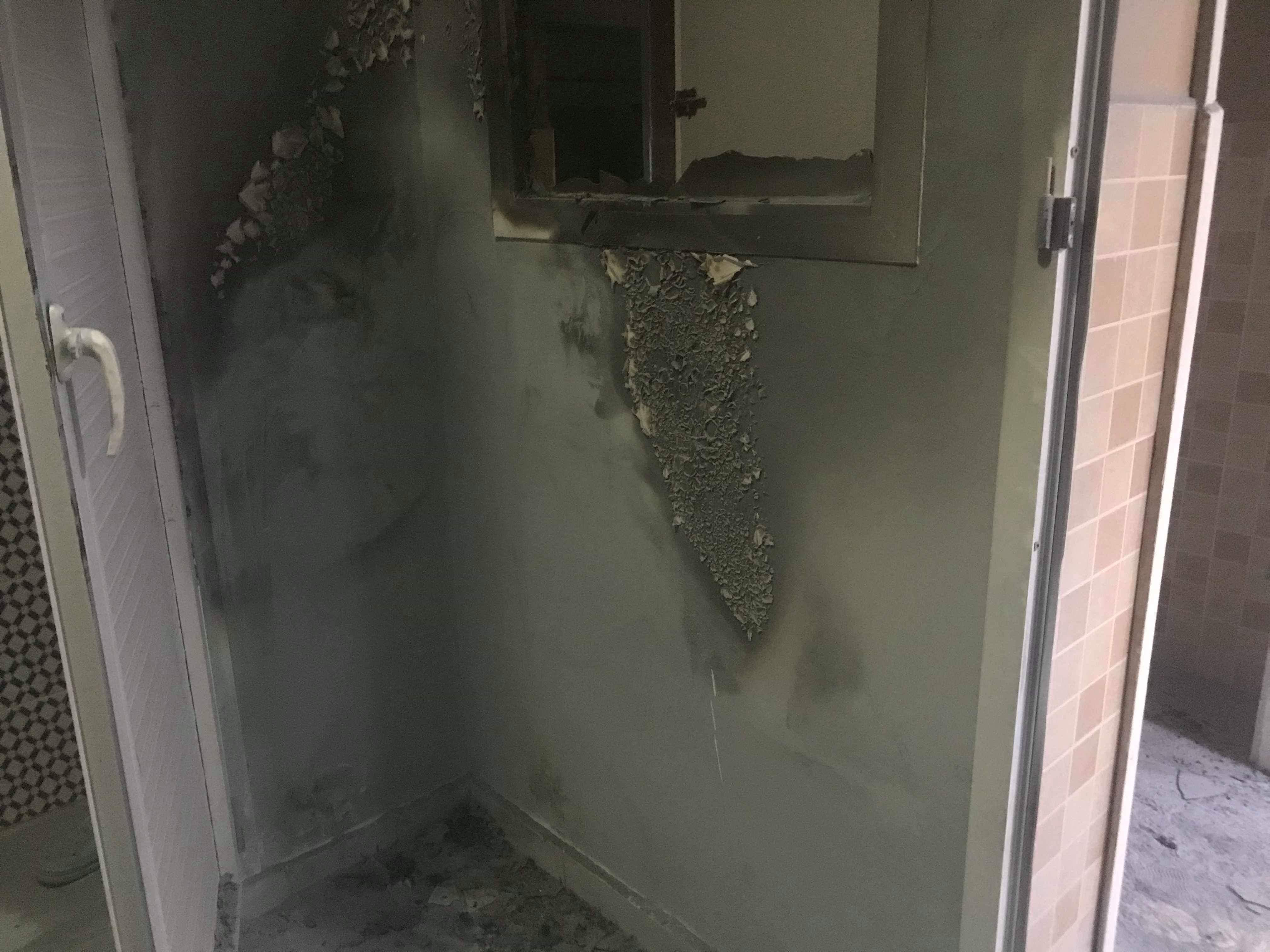 تماس كهربائي يتسبب في اندلاع حريق داخل جناح بالمستشفى الحسني وتجهيزات مهمة تتعرض للإتلاف