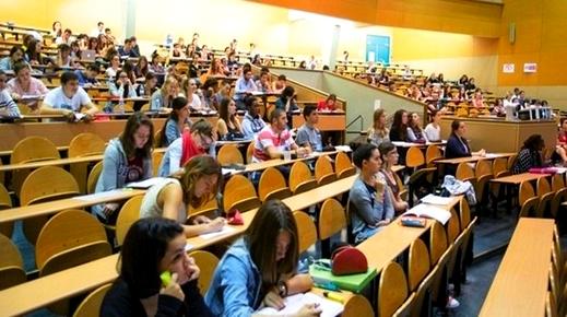 رغم رسوم التسجيل المرتفعة.. الطلبة المغاربة في صدارة المسجلين بالجامعات الفرنسية