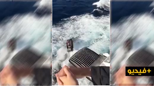 شاهدوا الفيديو.. مسافر على متن باخرة يصور محاولة للهجرة السرية نفذها 3 مغاربة على متن دراجة بحرية