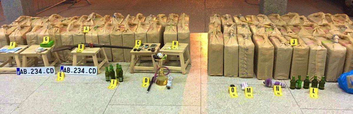 تبادل لإطلاق النار بين الأمن ومهربين ينتهي بحجز كمية مهمة من المخدرات وتوقيف 3 أشخاص