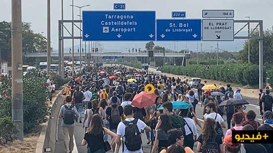 """احتجاجات ضد الأحكام الثقيلة في حق طالبي """"إنفصال كاتالونيا"""" تقطع المواصلات ببرشلونة"""