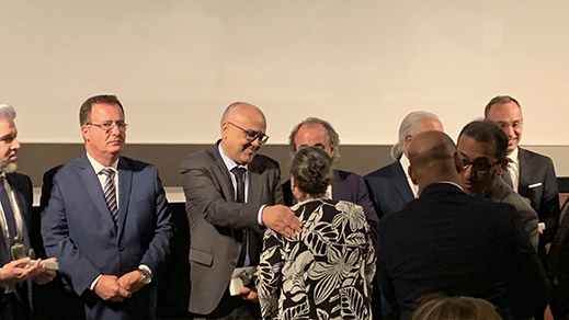 إشبيلية.. عبد السلام بوطيب يتسلم جائزة  إميليو كاستيلار