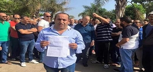 تجار مليلية يواصلون احتجاجاتهم من أجل فتح معبر بني أنصار لإنهاء الحصار التجاري
