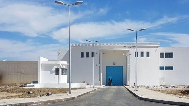إدارة سجن طنجة تصدر بيانا توضيحيا بشأن دخول 14 سجين من معتقلي الحسيمة في اضراب عن الطعام