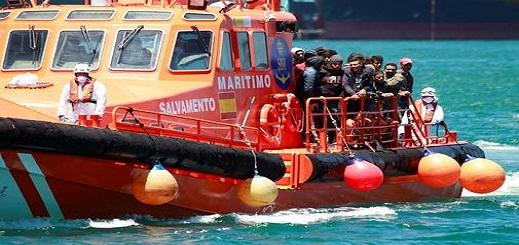 السلطات الإسبانية ترحل مجموعة من المهاجرين السريين وتسلمهم للسطات المغربية