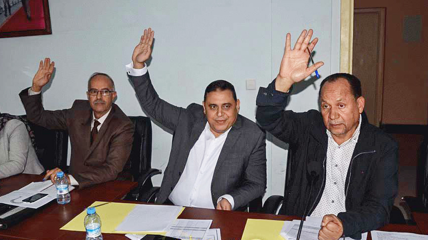 انشقاق في صفوف أعضاء جماعة الناظور قبيل الإعلان عن حل مكتب المجلس و فتح أبواب الترشح لخلافة حوليش