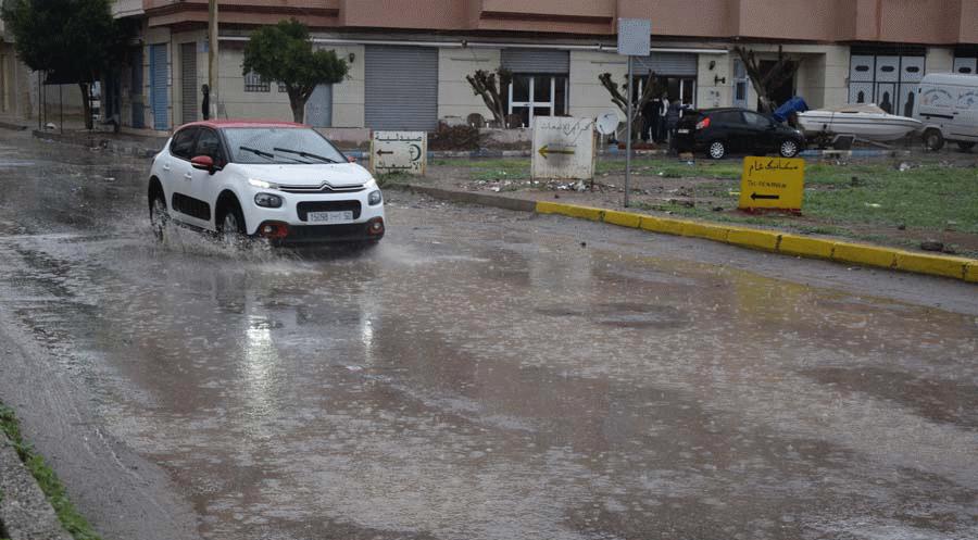 أمطار محليا قوية وتساقطات ثلجية إلى غاية الجمعة بالعديد من أقاليم المملكة