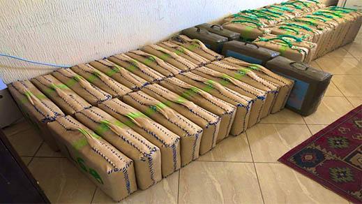 بالصور.. حجز أكثر من طن من مخدر الشيرا وتوقيف شخصين بتهمة الاتجار الدولي في المخدرات
