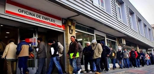 أزيد من 15 ألف مغربي نالوا الجنسية الإسبانية في السنة الماضية