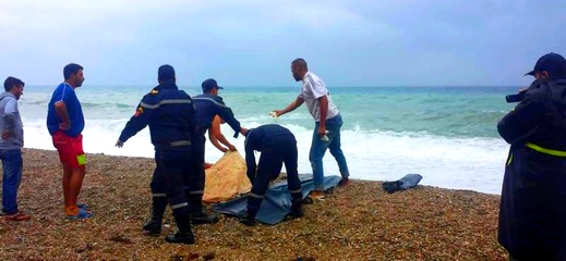 """الدريوش.. شاطئ """"شملالة"""" بجماعة امجاو يلفظ جثث 3 نساء وشاب في مقتبل العمر"""