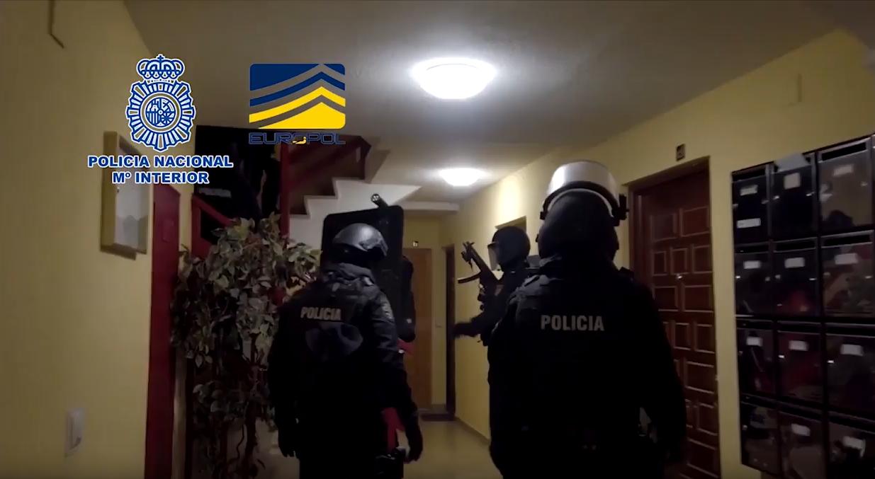 إسبانيا .. إلقاء القبض على مغربي يشتبه في انتمائه لتنظيم (داعش) الإرهابي
