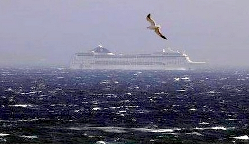 سوء الأحوال الجوية يواصل إغلاق موانئ الشمال في وجه الملاحة البحرية نحو  اسبانيا