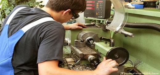 """يهم المغاربة.. ألمانيا تطمح لجلب 30 ألف عامل بعد نقص مهول لـ""""العمالة الماهرة"""" في الحرف اليدوية"""
