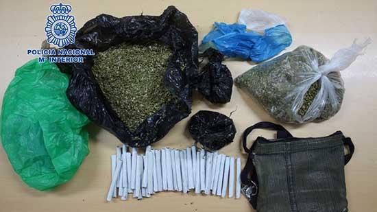 """توقيف """"بزناز"""" مغربي يبلغ من العمر 57 سنة يبيع المخدرات في حاويات النفايات بمليلية"""