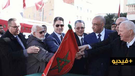 """رئيس المجلس الإقليمي """"الفتاحي"""" يعطي انطلاقة برنامج تهيئة المحاور الرئيسية بعشر بلدات بإقليم الدريوش"""