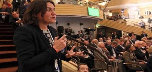 """النائبة الأوروبية """"بيري"""" تخرج عن صمتها بعد الحديث عن زيارة لها إلى الحسيمة"""