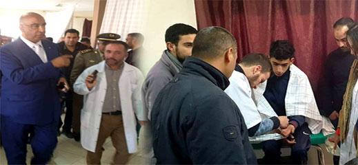 عامل إقليم الدريوش يتفقد أحوال التلاميذ المصابين في حادث إنقلاب حافلة النقل المدرسي بميضار الأعلى
