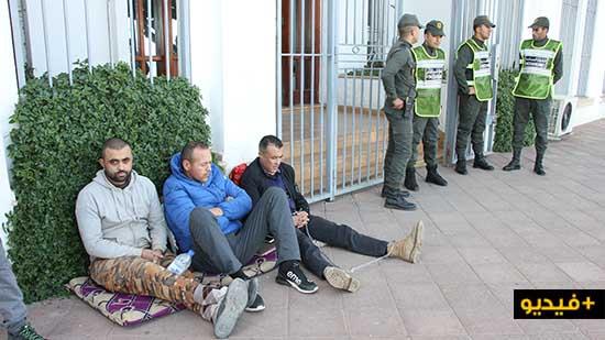 مستشار جماعي يدخل في إضراب عن الطعام واعتصام أمام عمالة الناظور احتجاج على شطط ممثل السلطة