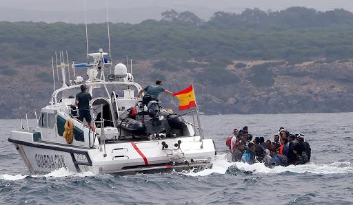 البحرية الاسبانية تنقذ 66 مهاجرا انطلقوا من سواحل بويافار