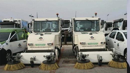 هل تنتظر شاحنات الكنس اقتراب الانتخابات لتنظيف شوارع الناظور؟