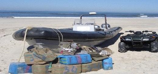 """اعتراض قارب مطاطي محملا بـ""""طن و850 كلغ"""" من الحشيش بسواحل الناظور"""