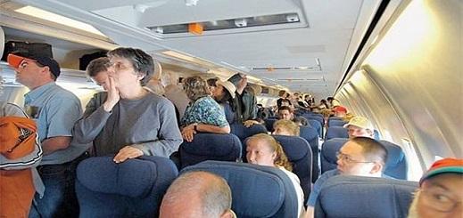 هكذا عاش ركاب طائرة بريطانية متوجهة إلى المغرب رعبا في الجو بسبب أم وابنتها
