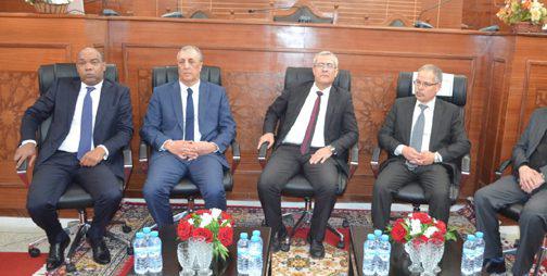 وزير العدل يتفقد المحكمة الابتدائية الجديدة بتارجيست