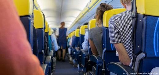 فتح بحث قضائي بشأن تداول لائحة ركاب رحلة جوية تبينت إصابة أحدهم بأعراض فيروس كورونا