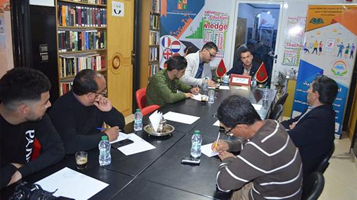 مائدة مستديرة بالدريوش تقارب موضوع دور الإعلام في صناعة السياسات العمومية