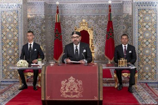 الملك يعطي تعليماته للحكومة قصد إحداث صندوق لمواجهة فيروس كورونا
