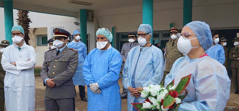 المتعافون الثلاثة من مرض كوفيد19 يغادرون مستشفى الحسني بالناظور