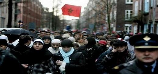 وضع لائحة بأسماء وهواتف المحامين المتطوعين لتقديم الاستشارات مجانا للجالية المغربية بالخارج