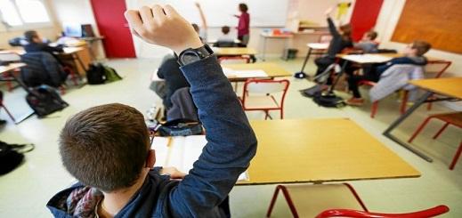 تلاميذ المؤسسات الإعدادية بفرنسا يعودون الى مقاعد الدراسة اليوم الإثنين