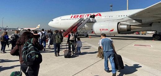 إسبانيا تعلن رفع الحظر عن جميع الرحلات الجوية ورحلات السفن القادمة من إيطاليا