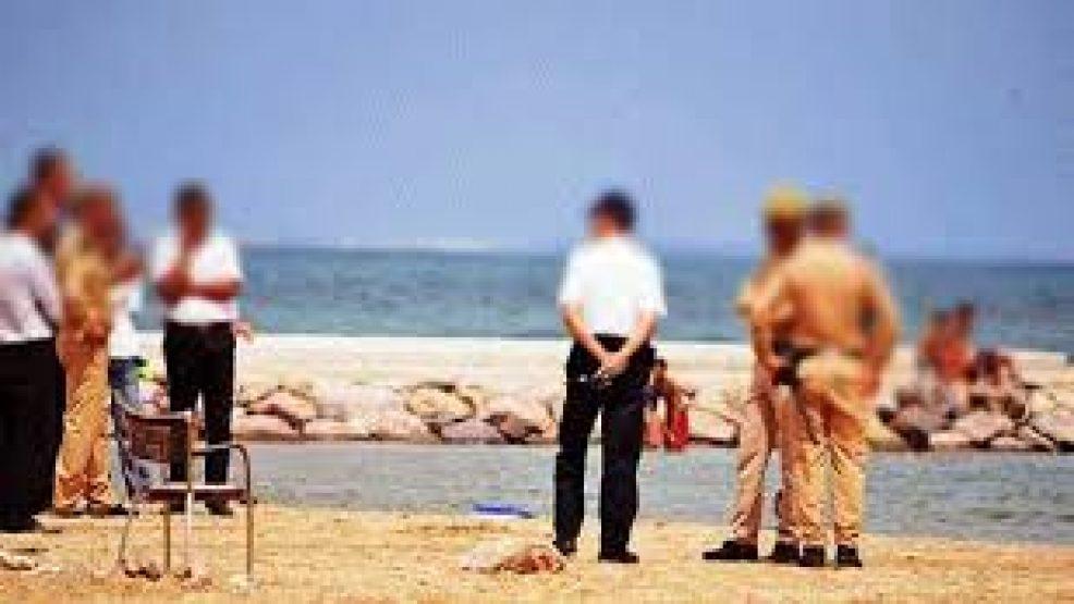 بتعليمات من الداخلية.. السلطات تشدد المراقبة على شواطئ الريف لمنع الاِستجمام والسباحة