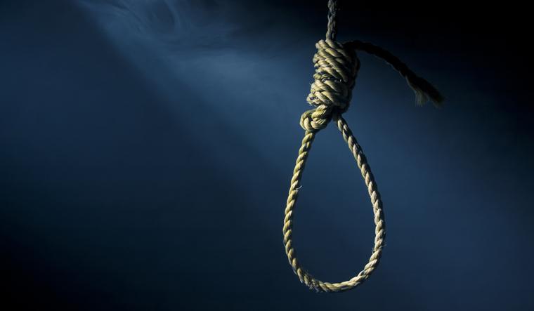 """توالي الانتحارات بالريف.. ستّينية تنهي حياتها شنقا بدوار """"اسرافير"""" في الحسيمة"""