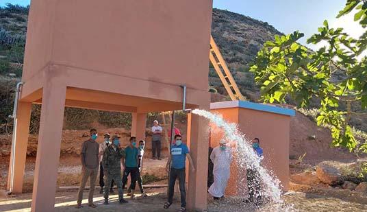 """حفر بئر وتشييد خزان مائي للتغلب على مشكل غياب الماء الشروب بدوار """"اغمير"""" جماعة بوعرك"""